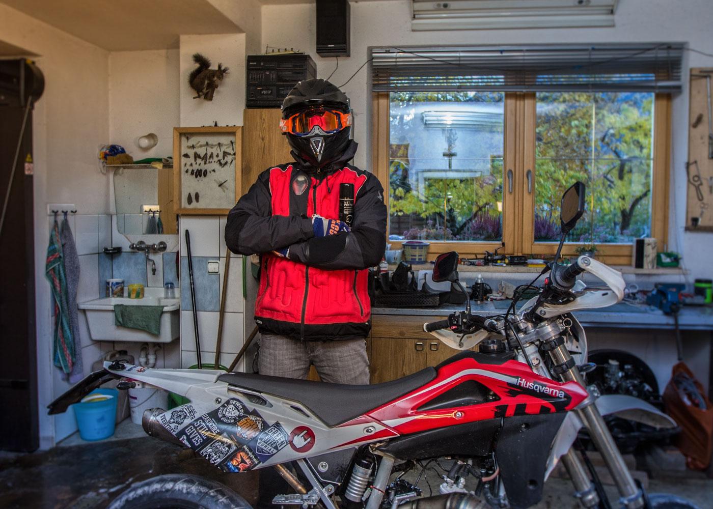 Schutz vor Kurzschluss, Feuchtigkeit, Rost, Korrosion, Motorrad - Testimonial Marc